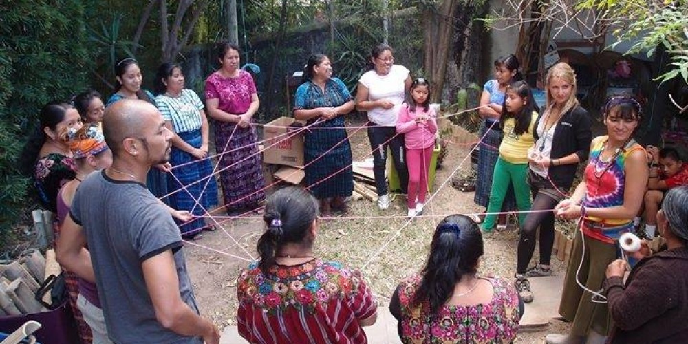 Returning to the Roots – Eco-Bus Caravan Collaborates with Indigenous Artist Co-op in Guatemala to Build Natural Dye Garden