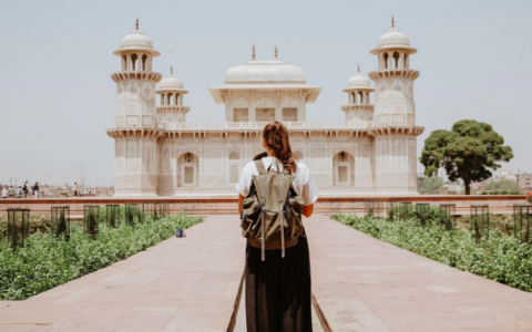 Travel Etiquette: 11 Rules for Mindful Travel Abroad